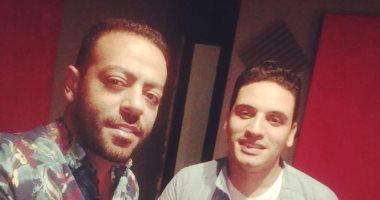 تامر عاشور يستعد مبكرا لألبوم 2020 بتوقيع أحمد أمين