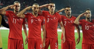 الاتحاد الأوروبى لكرة القدم يقرر التحقيق مع منتخب تركيا.. اعرف السبب