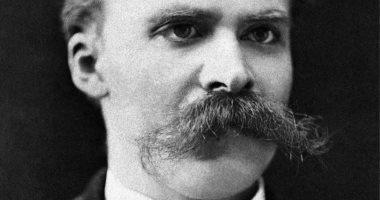 لماذا ظن أصدقاء الفيلسوف الألمانى فريدريك نيتشه أنه مجنون؟