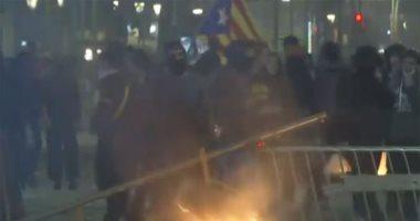 بث مباشر للاشتباكات والتظاهرات المطالبة بانفصال إقليم كتالونيا عن إسبانيا