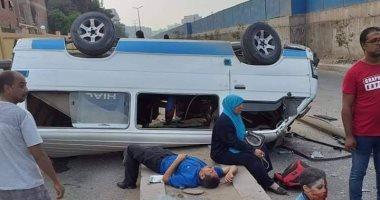 إصابة 11 شخصا إثر انقلاب ميكروباص بالطريق الصحراوى بالصف