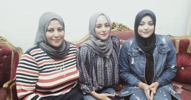 صور.. أسماء وإسراء أول فتاتين يعملان فى الميكانيكا بالإسكندرية