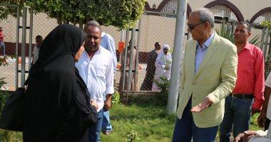 صور.. محافظ قنا يتفقد أعمال التطوير بمحيط مسجد عبد الرحيم القنائى