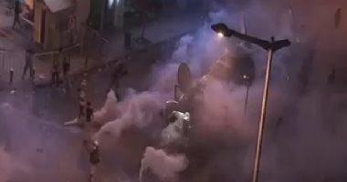 العربية: بيروت تشهد عمليات تخريب عشوائية واندلاع حرائق فى شوارع لبنان