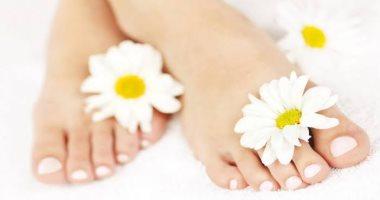"""5 وصفات طبيعية لعلاج تشققات القدمين.. """"مهمين فى الشتاء"""""""