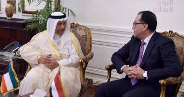 رئيس الوزراء ونظيره الكويتي يشهدان توقيع اتفاقيتين لتمويل المرحلة الثانية لبرنامج تنمية سيناء بمليار دولار.. مذكرة لتشجيع الاستثمار بين البلدين.. رئيس الصندوق الكويتي للتنمية: 52 مشروعا بمصر بـ3.6 مليار دولار