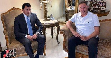 أول صور من اجتماع الخطيب ووزير الرياضة لحل أزمة مباراة الجونة