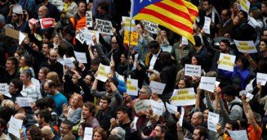 رؤساء الجامعات العامة فى كتالونيا يوصون المعلمين بإلغاء الامتحانات أيام الإضراب