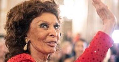 صور.. صوفيا لورين تحصل على جائزة انجاز العمر فى فيينا