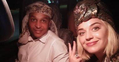 أول صورة للمغنية الأمريكية كاتى بيرى أثناء زيارتها لمصر