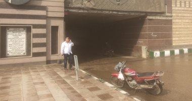 صور.. هطول أمطار بالشرقية والدفع بسيارات الكسح لشفط المياه