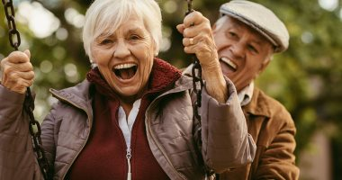 Tips to maintain health after the age of 60.. exercise light and drink fluids