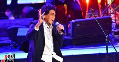 """الكينج محمد منير يحتفل بالمولد النبوى بفيديو من كواليس """"مدد يا رسول الله"""""""