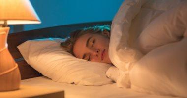 جربها .. النوم عاريا هيخسسك ويعزز ثقتك فى نفسك