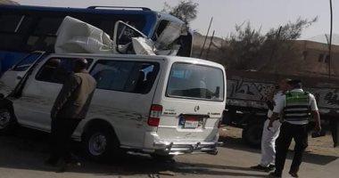 توقف حركة طريق الإسماعيلية الصحراوى بعد إصابة شخص فى حادث تصادم