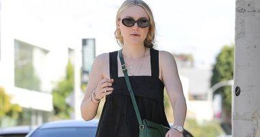 فى لوس أنجلوس.. حقيبة داكوتا فانينج من تصميم Celine بـ 1750 جنيه استرليني