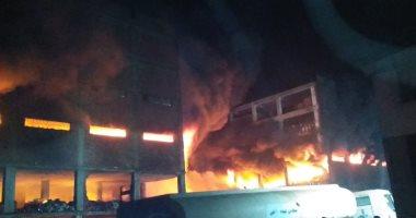 انهيار جزئى بمصنع فى قليوب بعد نشوب حريق به وصعوبة السيطرة عليه
