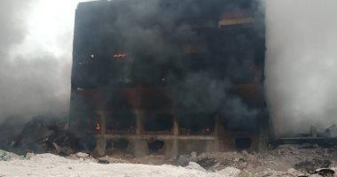 المعاينة الأولية لحريق مصنع الدراجات النارية بقليوب: ماس كهربائى وراء الحادث