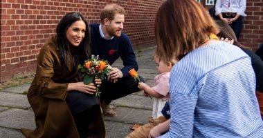 الأمير هارى وميجان فى زيارة اسر افراد الجيش البريطانى فى وندسور