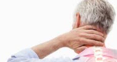 كيف تسبب الحركة المفاجئة للرأس فى مشاكل الرقبة؟