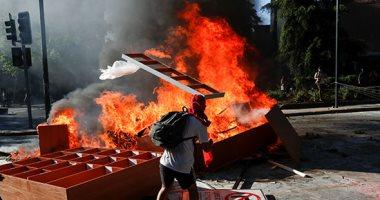 تشيلى.. حرب شوارع بين المتظاهرين وقوات الشرطة فى شوارع سانتياجو