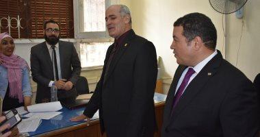 صور.. رئيس جامعة الفيوم يتفقد سير الانتخابات الطلابية بعدد من الكليات