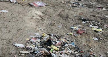 شكوى من سوء حالة الطرق وانتشار القمامة بعرب جهينة بالقليوبية