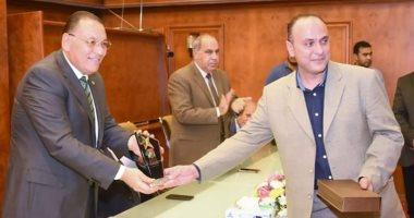 محافظ الشرقية يشهد إحتفالية تكريم فريقى الهوكى لفوزهما بكأس السوبر المصرى