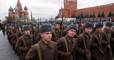 الساحة الحمراء بموسكو تحيى ذكرى عرض عام 1941 التاريخى