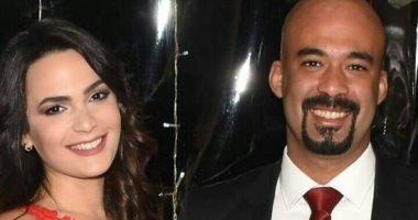 """مدحت صالح يهدى الراحل هيثم أحمد زكى أغنية """"عايش وحدك"""""""