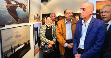 رئيس قطاع الفنون التشكيلية يفتتح صالون النيل الضوئى للفنانين بمتحف محمود مختار