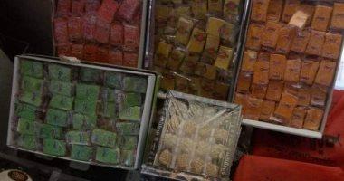 التحفظ على 6 أطنان سلع غذائية مجهولة المصدر داخل مصنعى حلوى بسوهاج