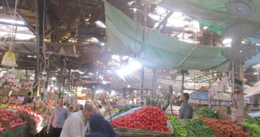 تعرف على أسعار الخضروات والفاكهة بسوق الدهار فى الغردقة اليوم.. صور