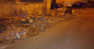قارئ يشكو من انتشار القمامة بشارع نوكراتيس بكامب شيزار بالإسكندرية