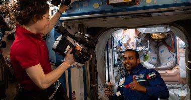 """هزاع المنصورى يشكر رائدة الفضاء الأمريكية """"كريستينا كوك"""".. اعرف ليه؟"""