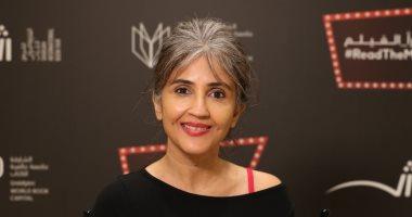 صاحبة الكتاب الأكثر مبيعاً فى الهند أنوجا شوشان: كنت أسرق الكتب وأنا صغيرة
