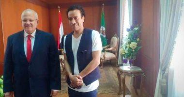 """رئيس جامعة القاهرة لـ """"الطلاب """" : حان الوقت للإرتقاء بالذوق الفنى"""