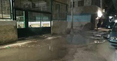 قارئ يشكو انتشار مياه الصرف الصحى بجزيرة محروس فى سوهاج