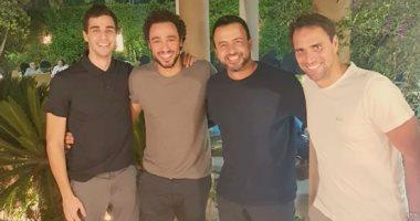 رامي عاشور ينشر صورة مع على فرج وكريم درويش ومصطفى حسنى