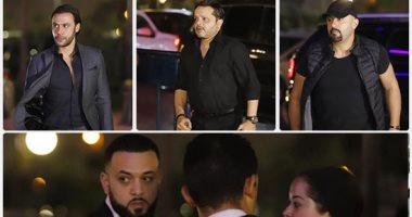 أخو هيثم احمد زكي يتلقى العزاء والسقا وهنيدى وحلمى ومحمد إمام أبرز الحضور