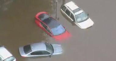 شاهد.. مياه الأمطار تغرق بريطانيا والفيضانات تجتاح مساحات واسعة بها