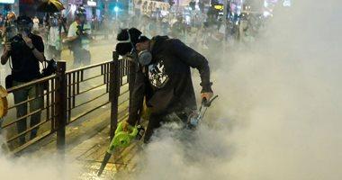 شرطة هونج كونج تهدد باستخدام الرصاص الحى مع تصاعد المواجهة مع المحتجين