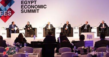 انطلاق أعمال الجلسة الثالثة من قمة مصر الاقتصادية حول القطاع الصناعى