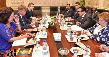علاء عابد لأسوشيتدبرس: مزاعم سوء معاملة محمد مرسى محاولة لتشويه سمعة الحكومة