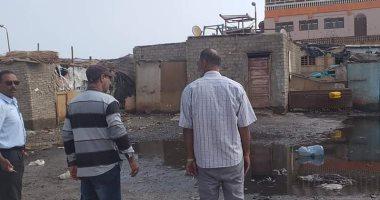 مجلس مدينة الشلاتين يزيل آثار الأمطار والسيول بشوارع المدينة