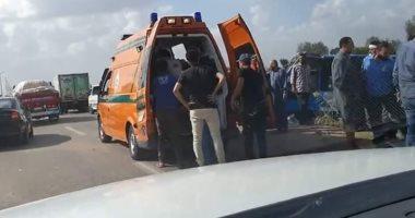 إصابة 17 شخصا ومصرع سائق فى انقلاب أتوبيس على طريق المحلة طنطا