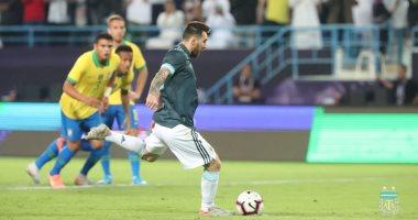 """البرازيل ضد الأرجنتين.. التانجو يتقدم بهدف ميسي فى الشوط الأول """"فيديو"""""""