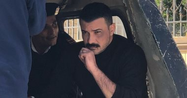 """صورة.. محمد رجب بالكلابشات بسبب """"الأخ الكبير"""""""