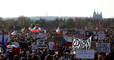 الألاف يحتشدون فى العاصمة التشيكية للمطالبة بتنحى رئيس الوزراء أندرى بابيس