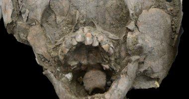 أطفال بـ خوذات جماجم بشرية فى الإكوادور القديمة.. تعرف على القصة
